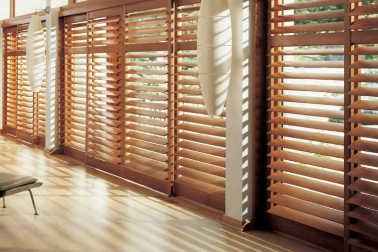 Best Blinds For Balcony – Choose Most Suitable Option